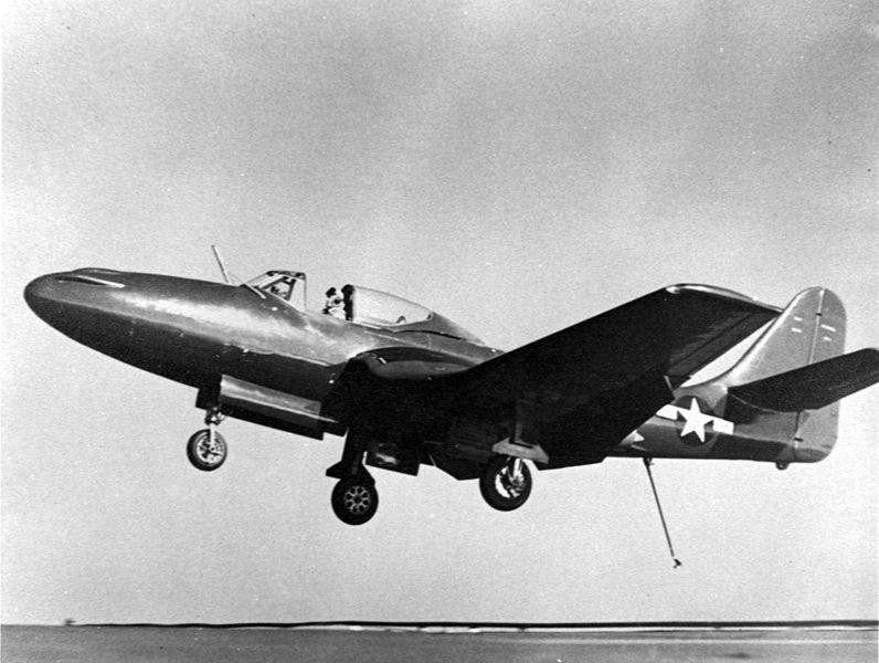 796px-FH-1_CVB-42_landing_NAN9_46.jpg