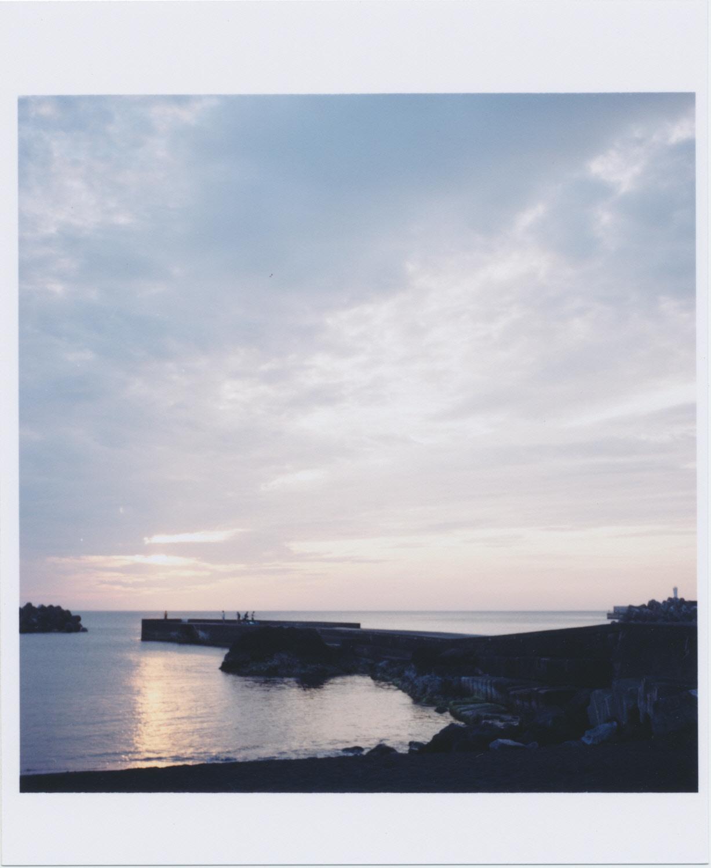 底土港の朝日