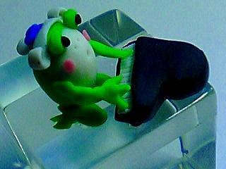 ピアニスト蛙アップ