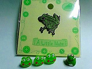 手芸店の蛙たち