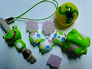 kikutamaさんの蛙のとんぼ玉たち♪