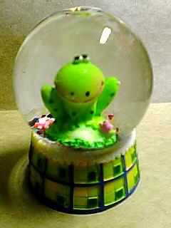 スノードーム 蛙
