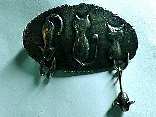 猫ブローチネズミ付き