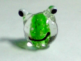 蓄光蛙ガラスビーズ