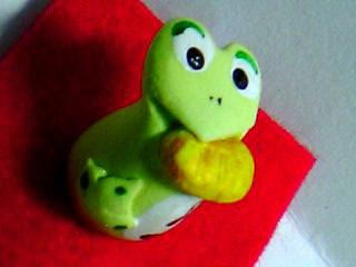 軽量粘土蛙置物アップ
