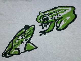蛙Tシャツ一号の柄アップ