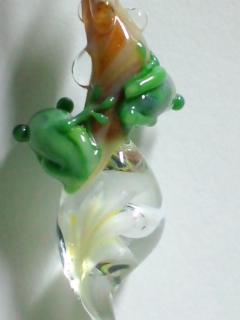 二匹の蛙の背中
