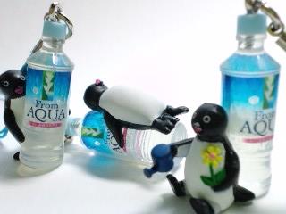From AQUA オリジナルペンギンストラップ
