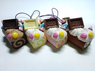 meijiチョコロールケーキストラップ