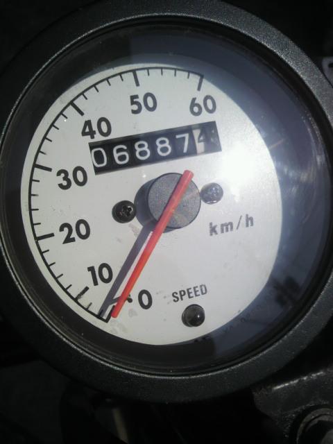 六千キロは新車?