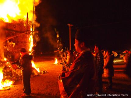 大國魂神社の鳥小屋 お焚き上げの様子8