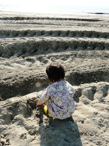 熱海 砂遊び 2