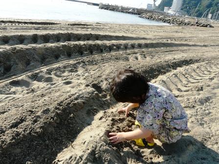 熱海 砂遊び 3