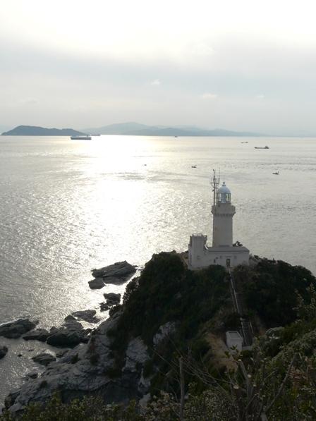 椿山展望台から見た佐田岬灯台 1