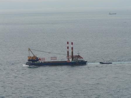 椿山展望台から見た船 2