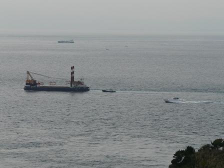 椿山展望台から見た船 1