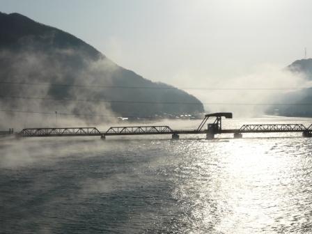 肱川あらし 新長浜大橋から 1