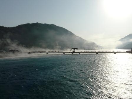 肱川あらし 新長浜大橋から 2