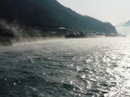 肱川あらし 長浜大橋から 3