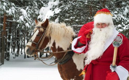サンタクロースは世界に100人以上いるらしい