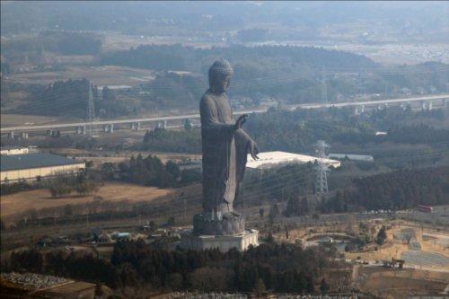 日本一高い大仏ってどれくらいの高さ?