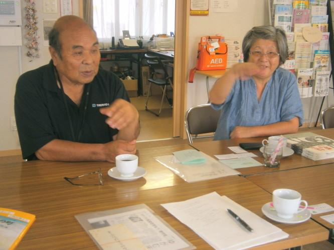 東通仮設住宅町内会 山本靖一会長(左)と庄子智香子副会長(右)_1