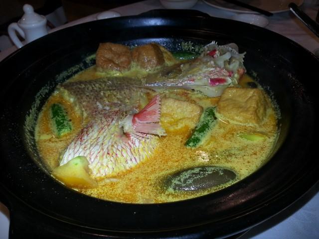 鯛のココナツカレー煮
