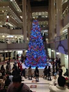 ランドマークタワー_クリスマスツリー青