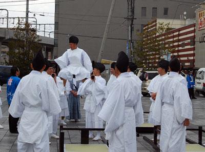 13.12.15駅前自衛隊