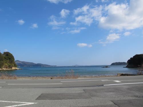 海の駅『黒潮』前の海岸