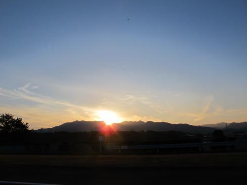 夕暮れの高速道路 三重
