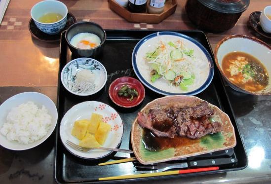 ぱいらんど朝ステーキ