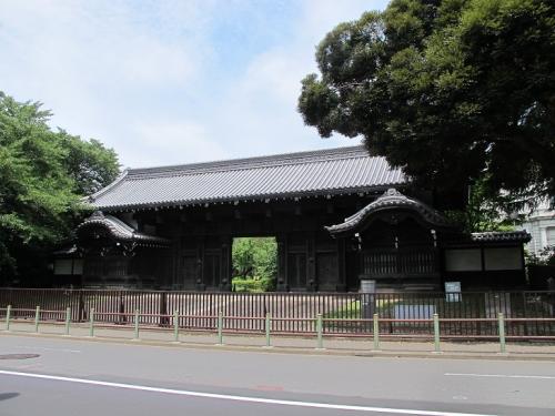 旧因州池田屋敷表門(黒門)