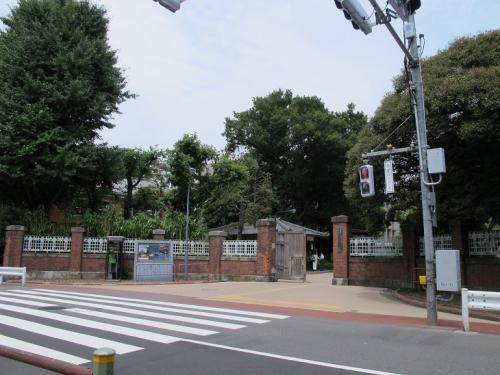 東京藝術大学 門