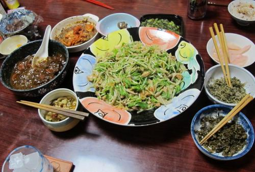 頂きものの広島ちりめん、ツナとキノコ入りサラダ、残り物