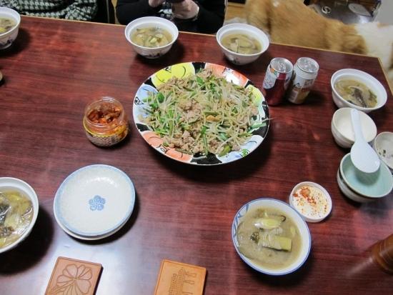 豚肉ともやし炒め、揚げ茄子と長ネギの味噌汁