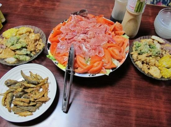 生ハムサラダ、揚げ小魚、揚げはんぺん各種