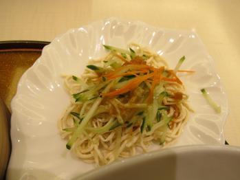 シコシコの麺サラダ