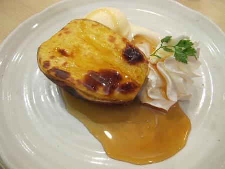 安納芋のホットスイートポテト バニラアイス添え