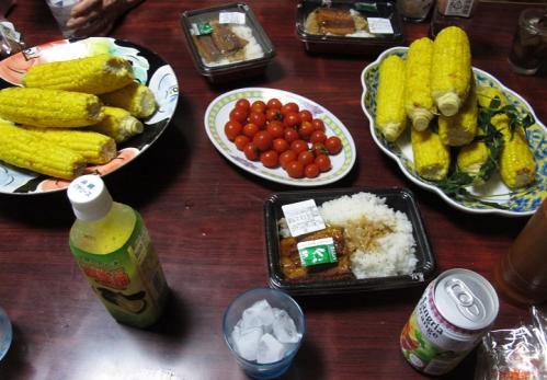 鰻丼とトウモロコシ