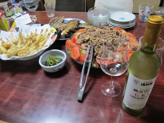 白ワインとフグの唐揚げ