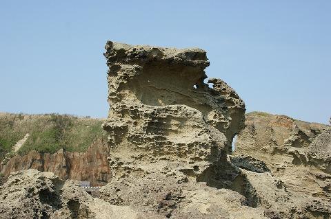 ゴジラ岩03102