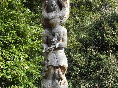 牛頭天王本殿の牛頭の彫刻