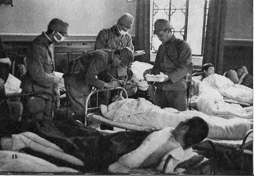 12月20日 支那兵を治療する看護兵