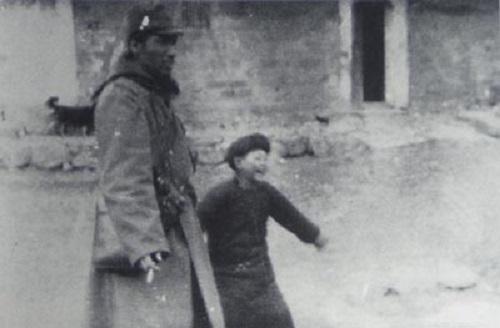 赤星昴少尉と支那人の少年