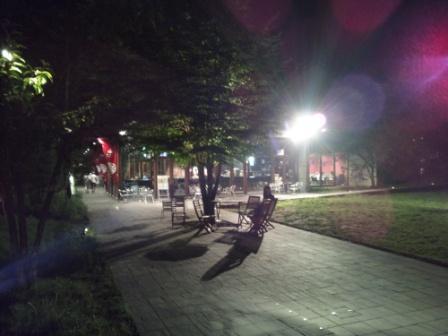 夜のハングリースポット