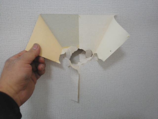 クロスの壁の穴補修3