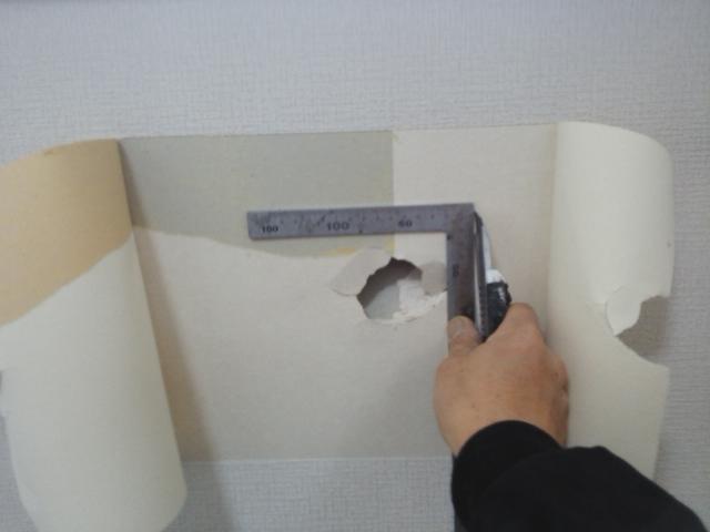 クロスの壁の穴補修5