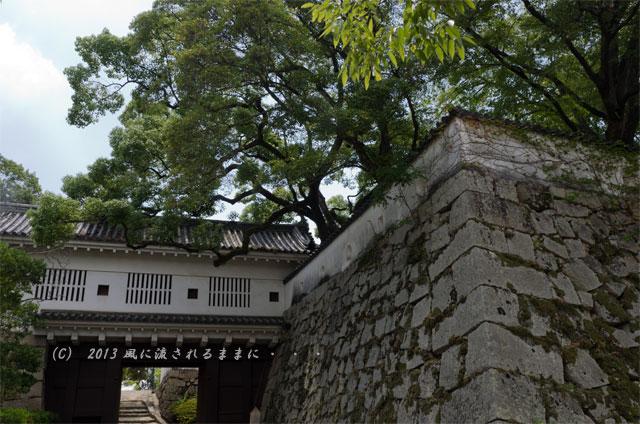 岡山城 廊下門1