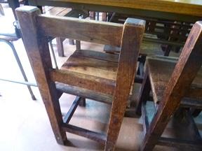 昔々予備校で使ってた椅子